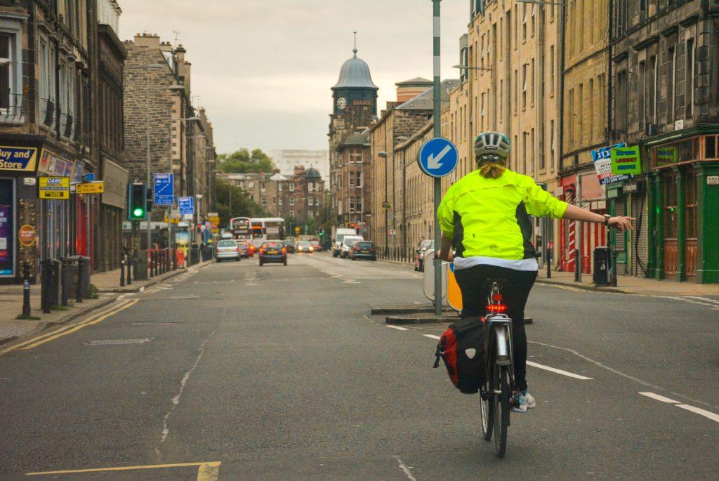 Rowerzyści na rondach a kodeks drogowy, Rowerzyści na rondach, a kodeks drogowy